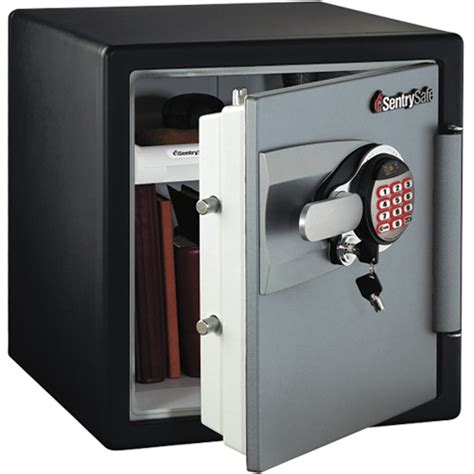 the sentry gun safe features and benefits aimpoint pro