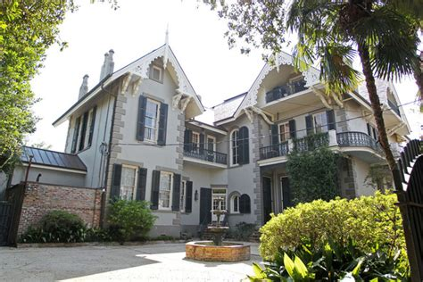 angelina jolie new home brad pitt and angelina jolie s french quarter home in new