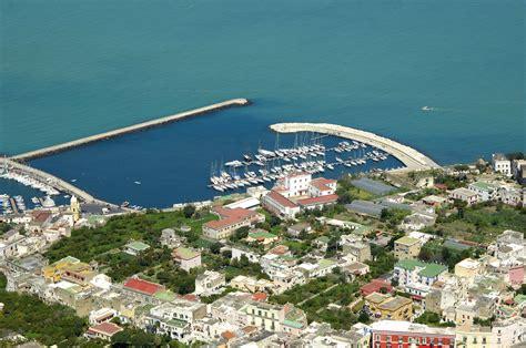 porto di procida porto turistico di procida marina in procida cania