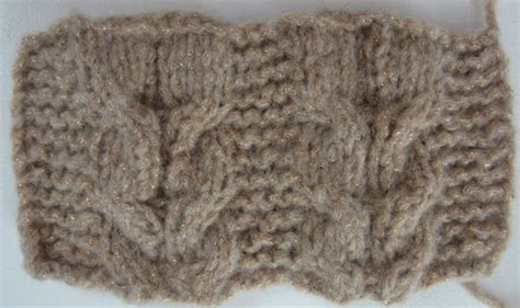 horseshoe cable knit pattern free knitting pattern slouchy horseshoe cable hat