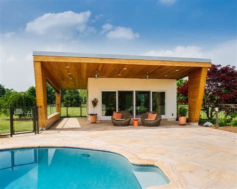 Pool House Contemporain by Contemporary Pool House Contemporain Piscine Other