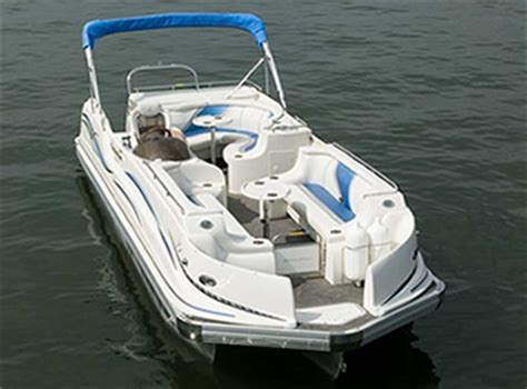 deck boat vs pontoon rough water why pontoon boats are sweeping the country