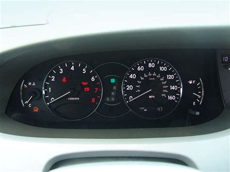 how cars run 2006 toyota avalon instrument cluster 2006 toyota avalon reviews and rating motor trend