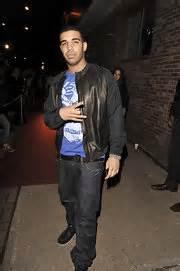 Tshirt V Entino Khan One Clothing style fashion looks stylebistro