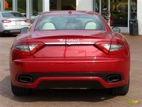 red maserati sedan rosso trionfale red metallic 2014 maserati granturismo
