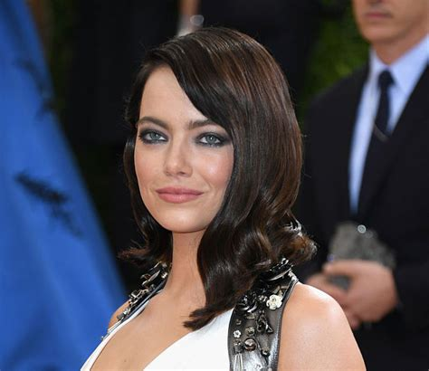 emma stone with black hair emma stone s new dark hair is a gothic dream hellogiggles