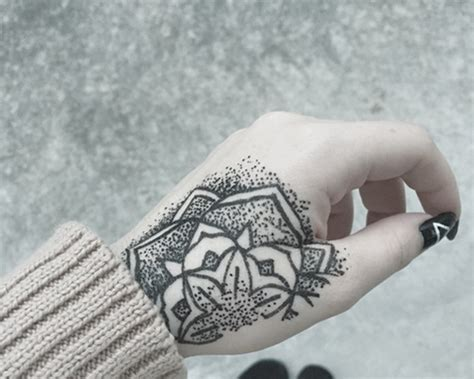 tattoo lining hand speed 101 awesome hand tattoos that will inspire you to get inked