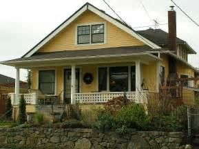 yellow bungalow exterior bungalow paint colors pinterest