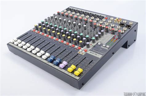 Mixer Soundcraft Efx8 8channel soundcraft efx8 lexicon effects 8 channel mixing board 27677 ebay