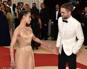 fka twigs flashes her cleavage at the met gala with