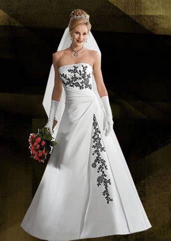custom  elegant wedding gowns sleeveless embroidery