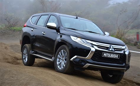 or sport mitsubishi pajero sport review drive photos