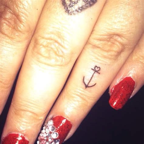 anchor finger tattoo anchor tattoos and designs page 588