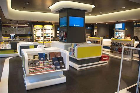oficinas correos madrid correos presenta un nuevo concepto de oficina en madrid