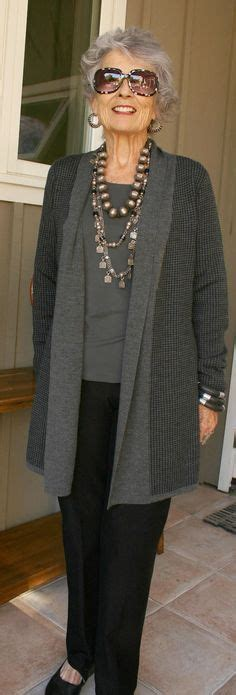 wardrobe choices for women over 60 best 25 older women fashion ideas on pinterest fashion