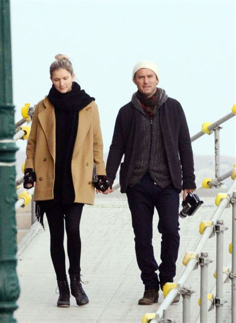Jude Laws Ex Burgled On Of Breaking And Entering Premiere by Jude S Ex Reveals How He Wooed On The School Run
