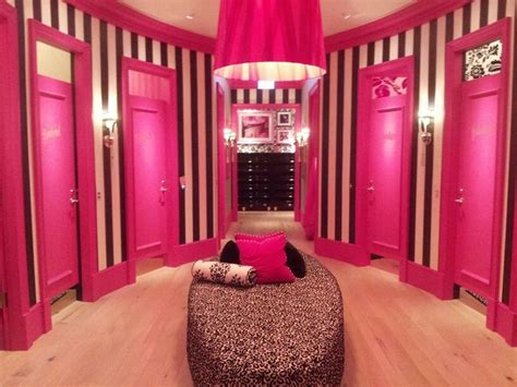 the bedroom shop victoria secrets fitting room pesquisa google retail