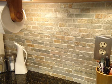 natural kitchen decor with captivating stone backsplash
