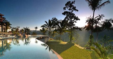The Realm Of Jade Mountain Buku Fotografi inspirasi surga kolam renang saat honeymoon thewedding id