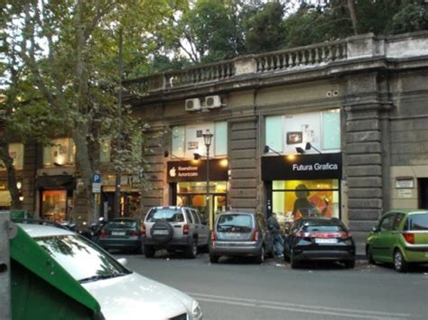 futura roma apple roma il ruggisce da futura grafica negozi di