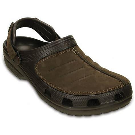 croc clogs for crocs crocs yukon mesa espresso u3 203261 22z mens clogs