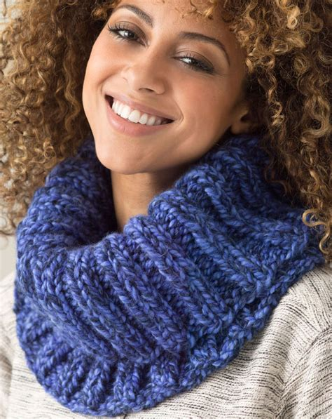 pattern for simple knitted cowl quick cowl knitting patterns in the loop knitting
