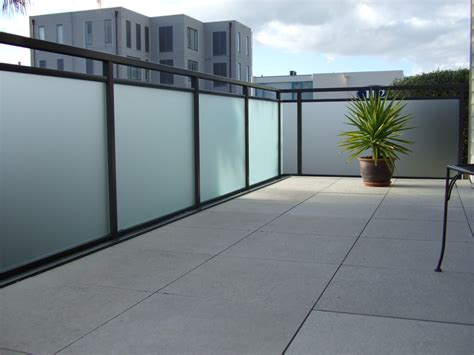 aussengeländer mit glas balkongel 228 nder aluminium preise alubalkon balkongel nder