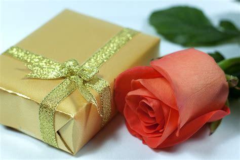 offerte fiori consegna un mazzo di fiori direttamente in hotel grandi