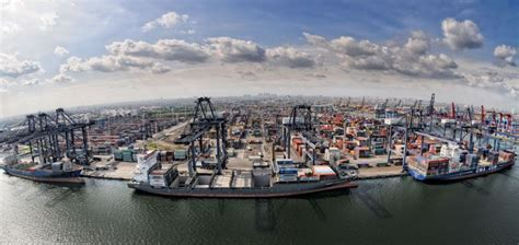 Now Indonesia Can Take Large Container Vessels Usually Handled by Singapore