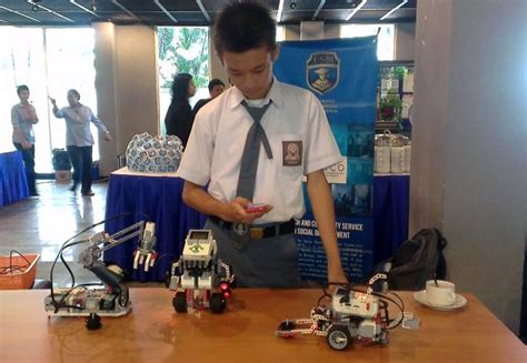 membuat robot whatsapp siswa sma sudah mu buat robot okezone news