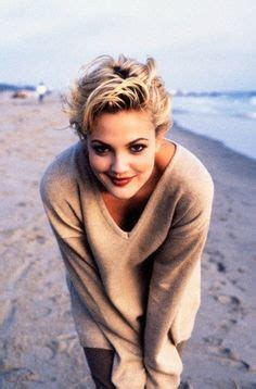 how tohi lite shirt pixie hair 1000 ideas about drew barrymore 90s on pinterest drew