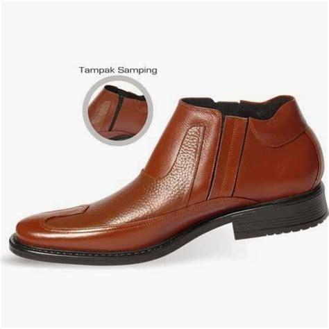 Sepatu Pria Boots Kickers Zipper 01 Hitam Handmade sepatu boot pantofel pria salmon sepatu pantofel pria