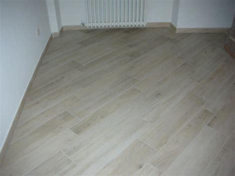 pavimenti da sogno pavimento bagno finto legno rivestimenti e piastrelle per