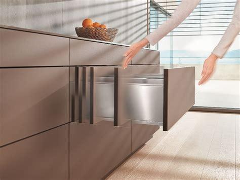 cucine blum blum tip on blumotion voor greeploze keukenkasten