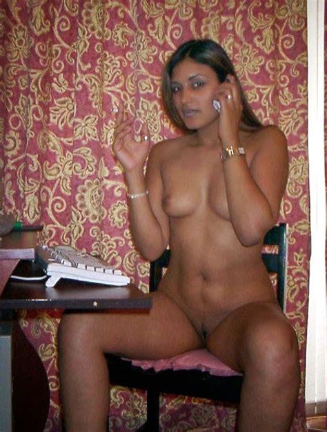 Desi Nude Jaipur Girl Smoking And Phone Sex Talking Mom Porn Photo