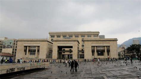 imagenes palacio de justicia bogota 28 horas de terror la toma del palacio de justicia de