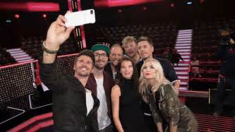 Mit Freundlichen Grüßen Die Fantastischen Vier The Voice Of Germany 2017 Das Sind Die Coaches In Der Jury Staffel 7 The Voice Of Germany