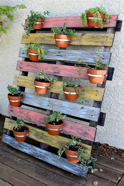 How To Make A Wood Pallet Planter 42 Diy Ideas Diy Vertical Planter