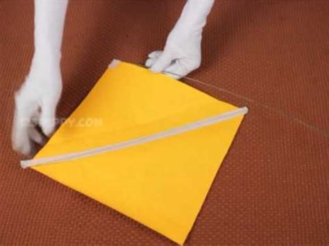 How To Make Kites With Paper - how to make a simple kite