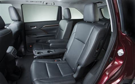 Toyota Seats 2014 Toyota Highlander Look Photo Gallery Motor Trend