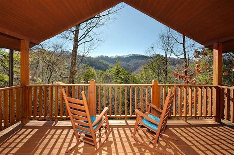 Gatlinburg Cabins With View by 9 Cozy Gatlinburg Cabins For Rent For Your Mountain