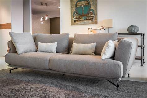 divani divani outlet divano lineare ditr 232 italia modello lennox scontato 40