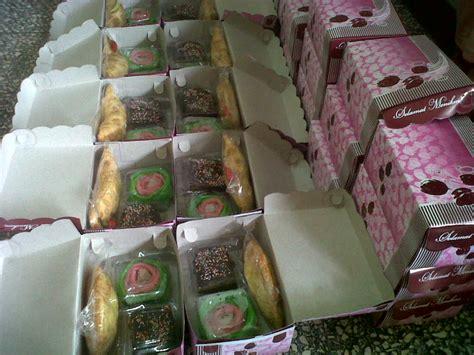 Snack Enak Freetela 4 snack box jual kue ulang tahun kue ultah anak kue tart brownies kue cake coklat
