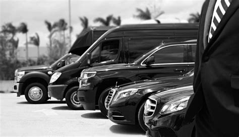 Black Car Service by Rent Chauffeur Driven Cars At Highly Affordable Rates