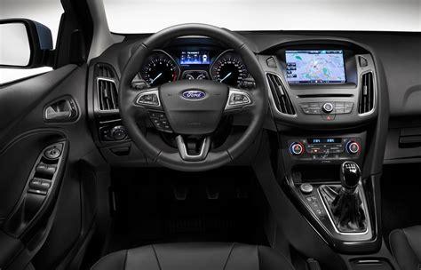 ford focus  ecoboost titanium   review car