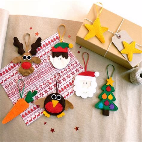 Handmade Tree Decorations - 39 felt ornament crafts to trim