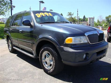 1999 charcoal blue metallic lincoln navigator 4x4