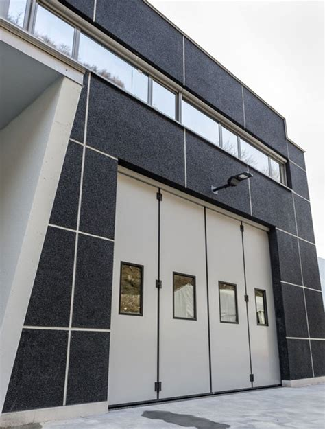 chiusure per porte scorrevoli chiusure capannoni porte industriali