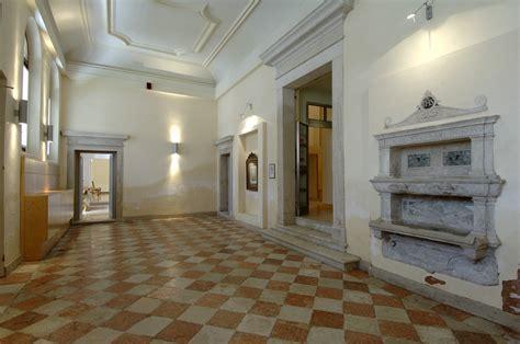 foyer traduzione aula magna don orione artigianelli