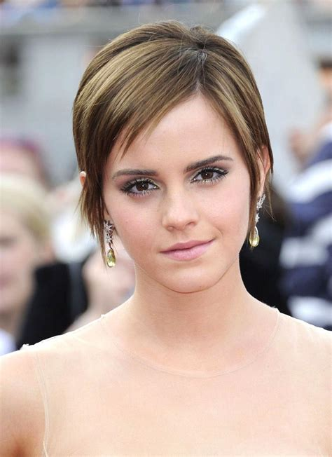 haircut for big jaw women fabulous hairstyles for 2012 long hairstyles